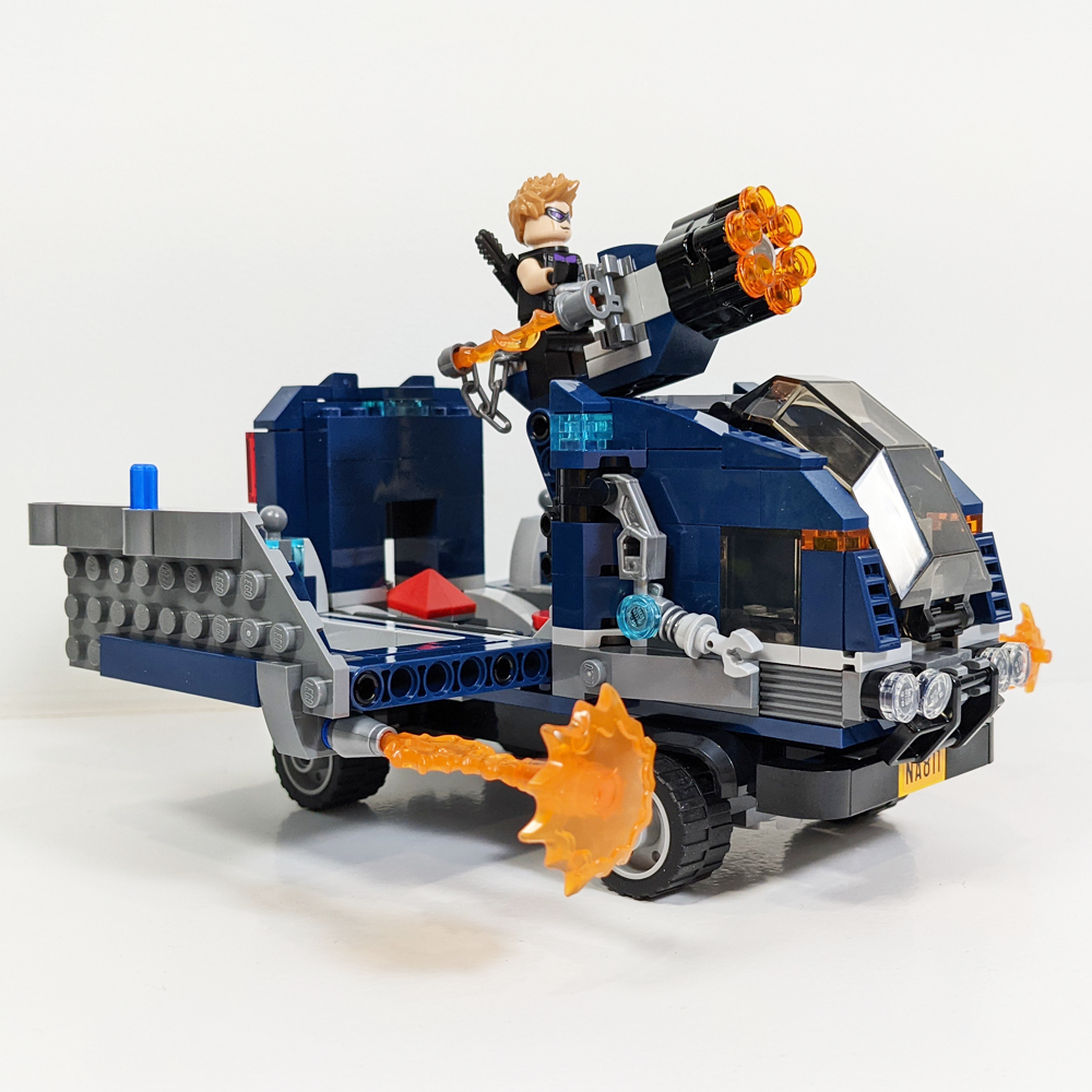 LEGO Marvel Avengers-Truck-Take-down